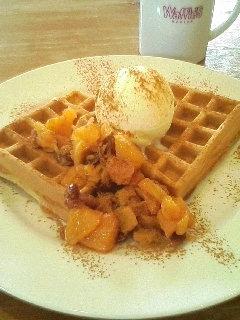 Waffle's beulah_オレンジクランベリーソース&アイスクリーム&シナモン