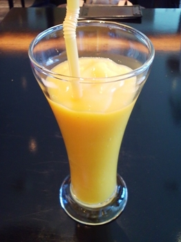 mango tree cafe_フローズンマンゴージュース