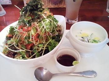 WILD RICE_海鮮丼&モロヘイヤの冷製スープ