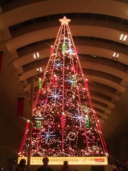クィーンズスクエア横浜_シンギングツリー
