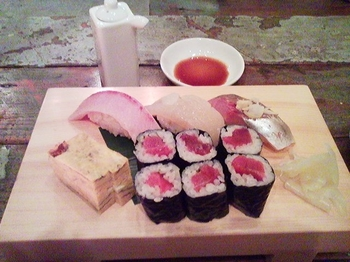CHUM APARTMENT_お寿司盛り