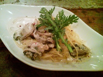 CHUM APARTMENT_牡蠣のクリームソースパスタ