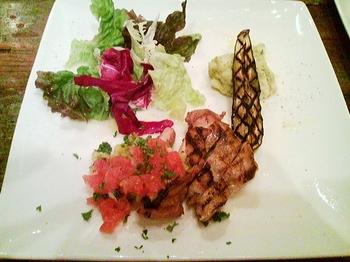 CHUM APARTMENT_美桜鶏モモ肉のグリル