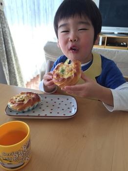160208_お惣菜パン_2.JPG