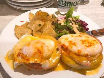 160630_Cinnamons_Eggs Benedict.JPG