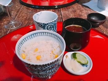 160705_むくの実亭_とうもろこしご飯&なめこの赤出汁.JPG
