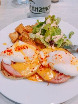 170517_Cinnamon's_Eggs Benedict.JPG